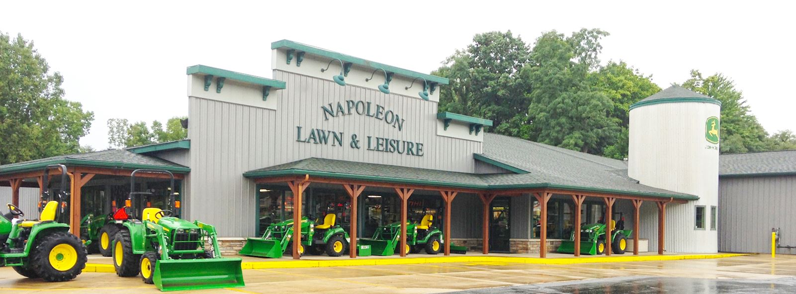napoleon_lawn_and_leisure